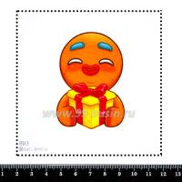 Шаблон для броши Пряничный человек с подарком 893, фетр Корея Премиум, толщина 1,25 мм, размер 10*10 см 063351 - 99 бусин