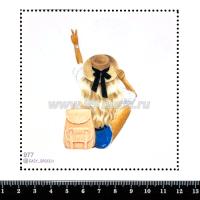 Шаблон для броши Девушка в шляпе и рюкзаком 977, фетр Корея Премиум, толщина 1,25 мм, размер 10*10 см 063380 - 99 бусин